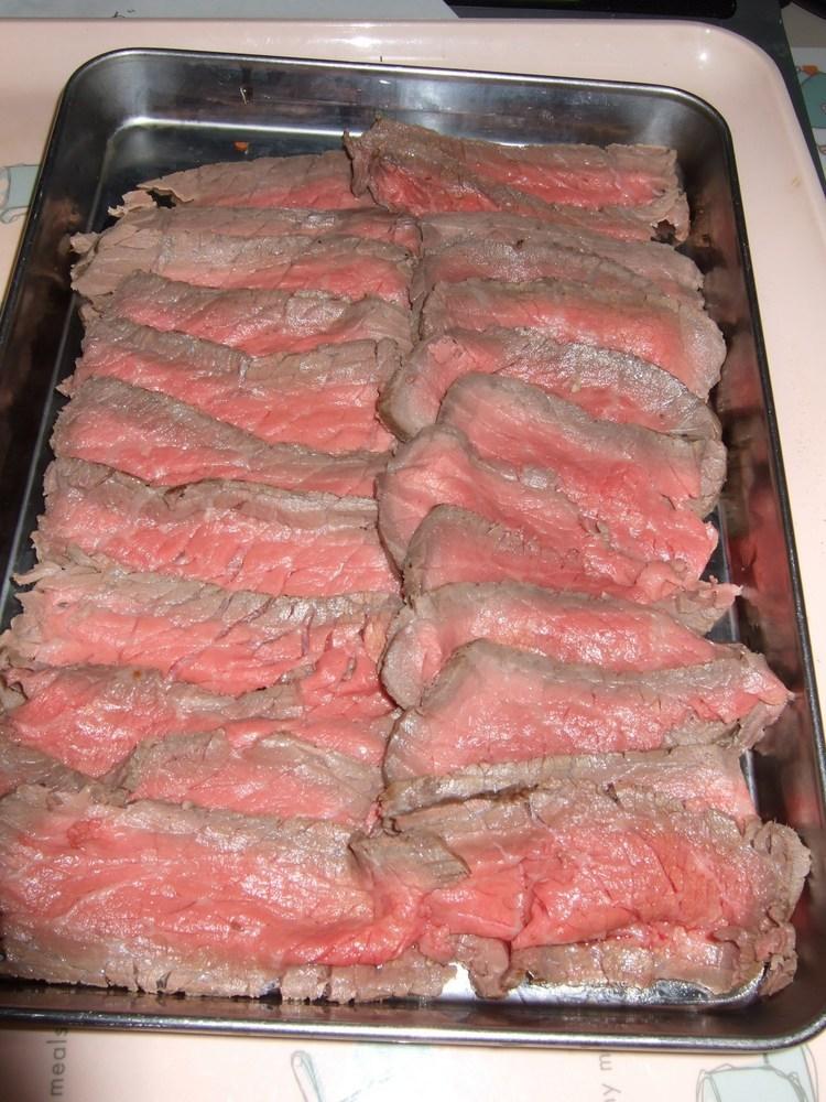 オーブンで焼いたローストビーフ
