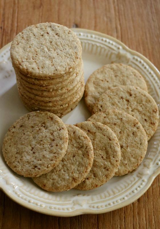 サクッ! 全粒粉と白ゴマのクッキー