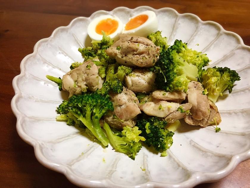 鶏肉とブロッコリーの簡単塩炒め♡