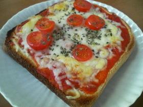 簡単おいしいピザトーストd(ゝ∀・)