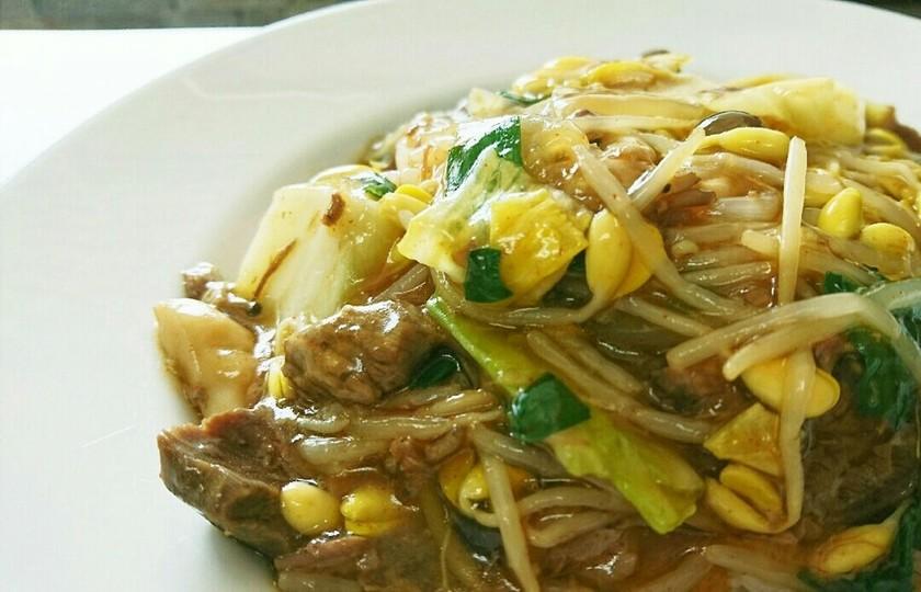 電気圧力鍋で牛筋肉のピリ辛スープ餡掛け丼