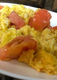 甘くない固いトマトを使って、卵の中華炒め