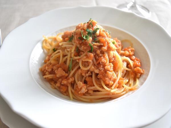 スパゲティー二 魚介のピリ辛ラグーソース