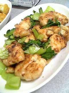 簡単早い♪鶏胸肉とチンゲン菜のマヨ炒め