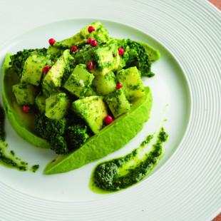 じゃがいもとアボカドの香菜サラダ