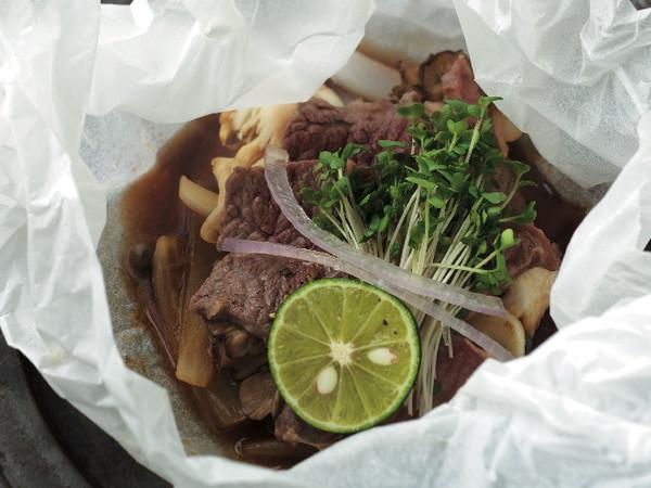 カルトッチョ(紙包み焼き)