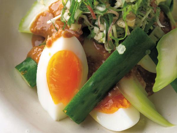 ゆで卵(7分ゆで)サラダ仕立て