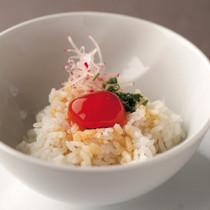 ピリ辛卵黄のせご飯