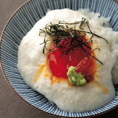 卵黄(生)の醤油漬けのせとろろご飯