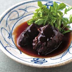 牛すね肉の和風赤ワイン煮込み