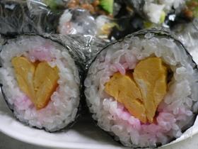 ハート巻き寿司♡
