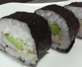 ☆アボカドとカニカマのサラダ巻き寿司☆