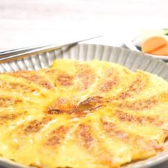 羽根つき辛うま味噌チーズ餃子