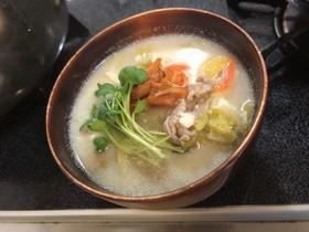 豚と豆腐の キムチ乗せ豆乳スープ