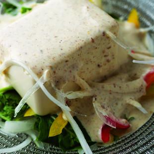 豆腐のサラダ白ごまのドレッシング