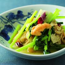 油揚げと小松菜の炒め物