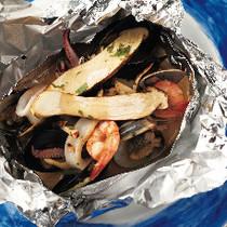 松茸と魚介のカルトッチョ