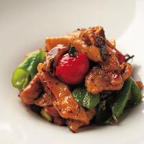 松茸と豚肩ロース肉の黒こしょう炒め