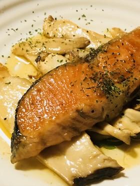 鮭とキノコのバター&しょう油焼き