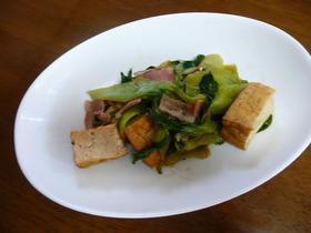 黒酢でサッパリ生揚げと青梗菜の炒め物