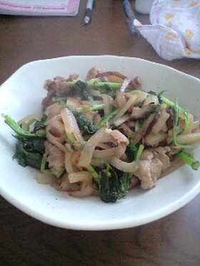 簡単!豚肉と大根の塩コショウ炒め