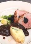 豚ヒレ肉のプラムソース添え
