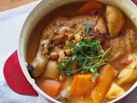 骨付き鶏とひよこ豆のバレンシア風煮込み