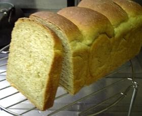 湯種法 豆乳入り大麦若葉山形パン