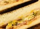 ベーコン&レタスのトーストサンドイッチ