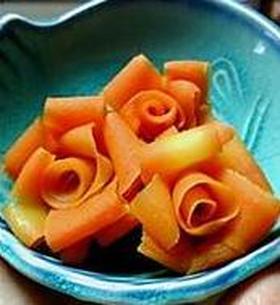 お弁当の隙間に。人参の薔薇☆
