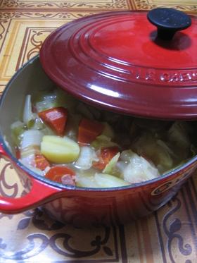 ルクルーゼで簡単!お野菜たっぷりスープ♡