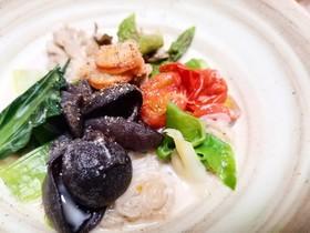 きくらげとしらたきの満腹海鮮スープ