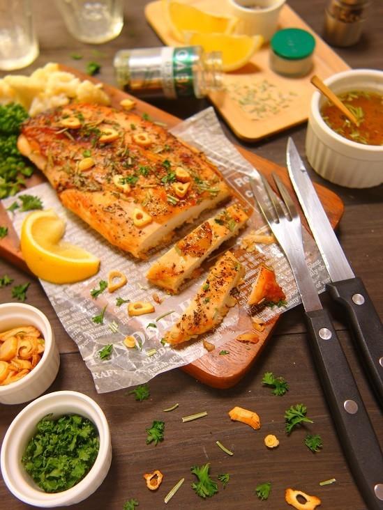 ローズマリーレモンチキンのオーブン焼き