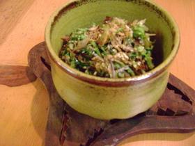 千切りキャベツと雑魚の炒め物