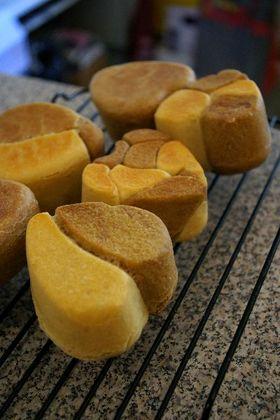 ハート型焼き2色食パン 白神でふんわり