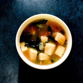 【離乳食中期〜後期】簡単トマトスープ