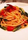 野菜だしで簡単♡小松菜とトマトのパスタ