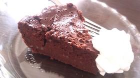 材料2つ!炊飯器簡単ガトーショコラケーキ