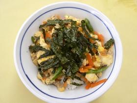 鶏肉炒り豆腐丼★めんつゆで簡単メニュー♪