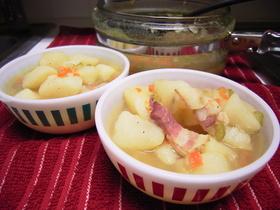 野菜の栄養まるまるたっぷり♪野菜スープ☆