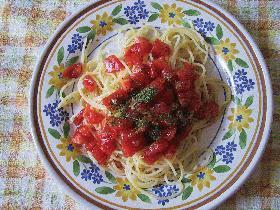 夏の冷たいトマトパスタ