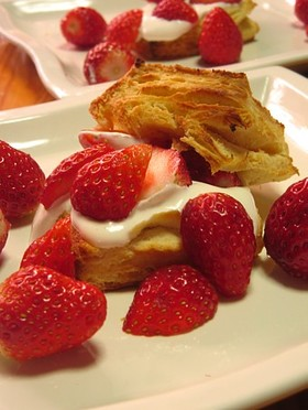 いちごのビスケットケーキ
