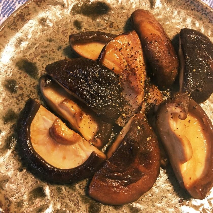 シンプルが一番!椎茸のバター醤油焼き
