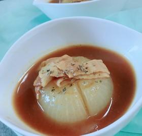 レンジで!丸ごと新玉ねぎのカレースープ