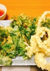 パクチーの根の天ぷらとパクチーのかき揚げ
