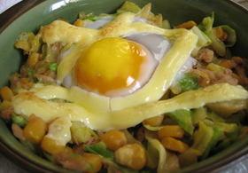 キャベツの卵のせ焼き