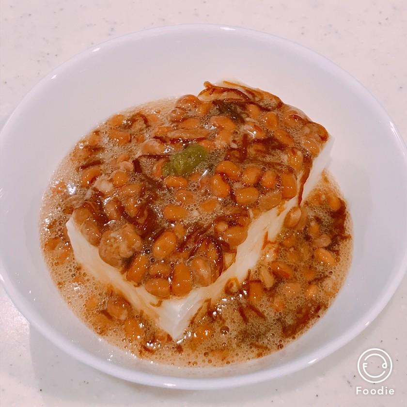 ダイエット朝食!豆腐の納豆もずく酢がけ
