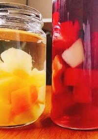 フルーツ缶詰めのサングリア赤白