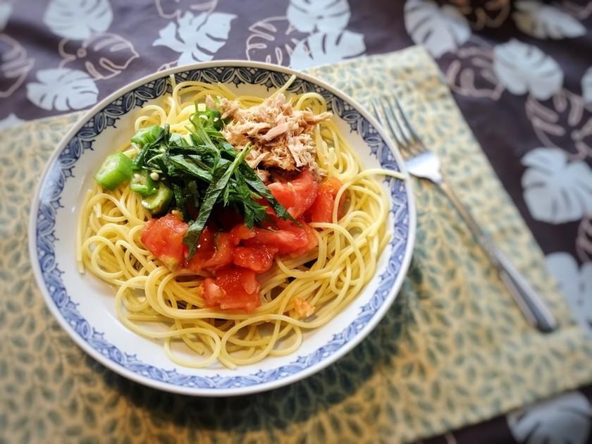 トマトとオクラとツナの冷製パスタ