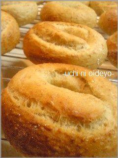 手捏ねパン♪グラハム粉ベーグル